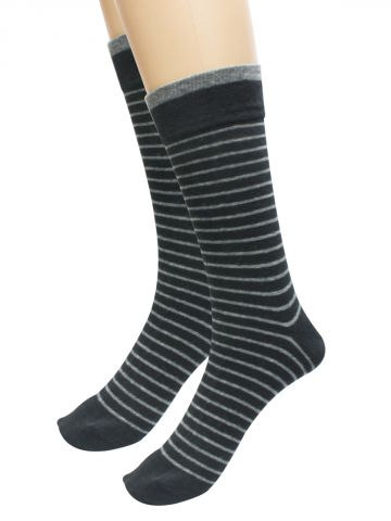 https://static6.cilory.com/109112-thickbox_default/turtle-black-socks-pack-of-1.jpg
