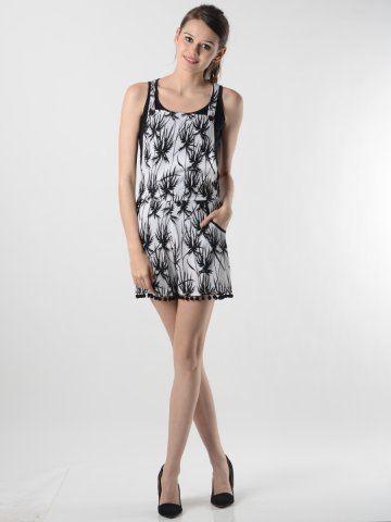 https://static2.cilory.com/112815-thickbox_default/oranje-white-dress.jpg