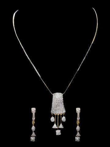 https://static1.cilory.com/126890-thickbox_default/american-diamond-neck-wear.jpg