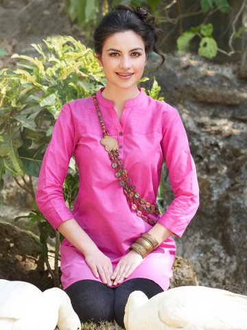 https://static5.cilory.com/134488-thickbox_default/pink-cotton-readymade-kurti.jpg