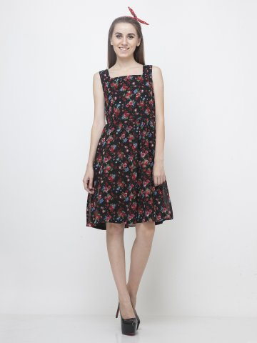 https://static8.cilory.com/140461-thickbox_default/yoshe-floral-printed-dress.jpg