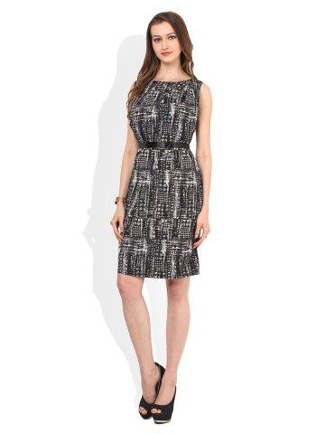 https://static.cilory.com/195731-thickbox_default/zephyra-black-midi-dress.jpg