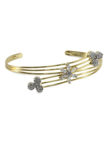 https://static4.cilory.com/322506-thickbox_default/maria-series-american-diamond-bracelet.jpg