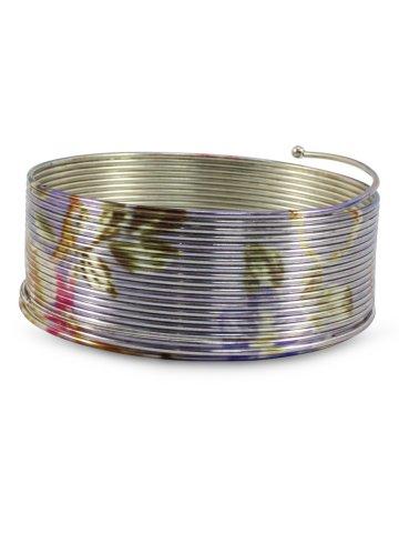 https://static1.cilory.com/381434-thickbox_default/multicolor-spiral-bracelet.jpg