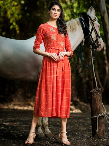 https://static2.cilory.com/387942-thickbox_default/psyna-coral-rayon-kurti-with-belt.jpg