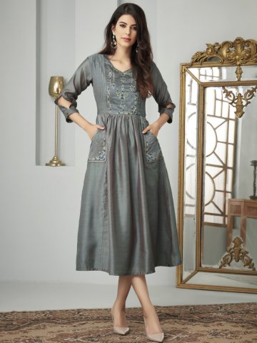 https://static1.cilory.com/394873-thickbox_default/two-tone-grey-embroidered-kurti-with-side-pockets.jpg