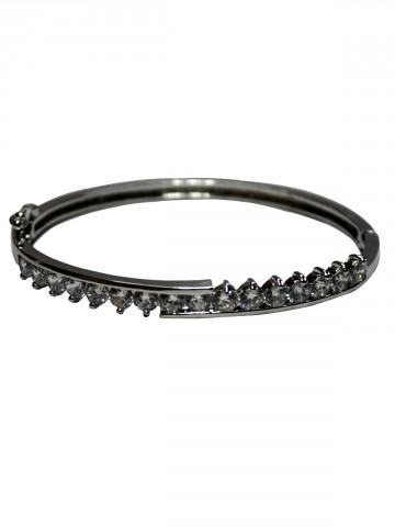 https://static7.cilory.com/73546-thickbox_default/archies-women-bracelet.jpg