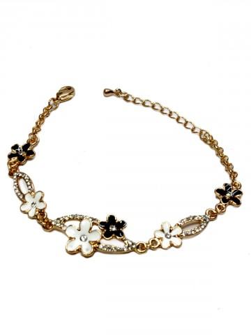 https://static1.cilory.com/92993-thickbox_default/archies-women-bracelet.jpg