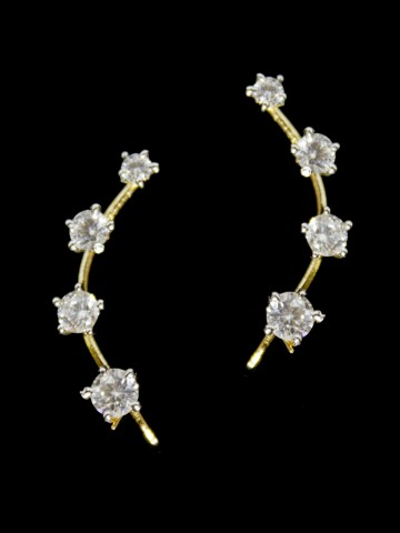 https://static6.cilory.com/95080-thickbox_default/maira-series-american-diamond-earrings.jpg